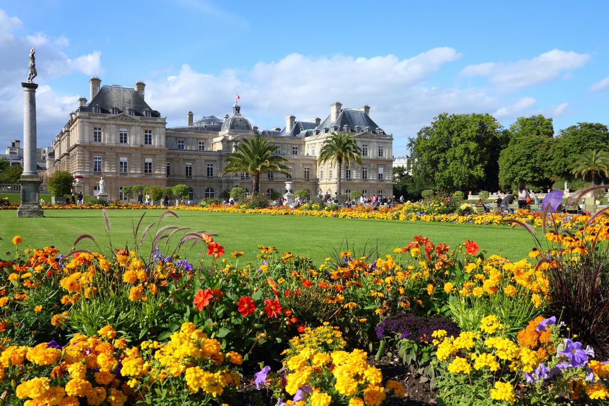 Famous landmark, Luxembourg Palace and park - Paris