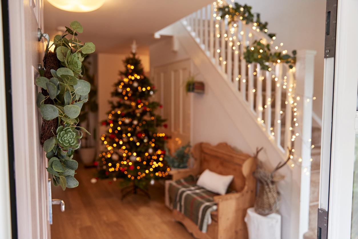 Hallway Christmas decorations