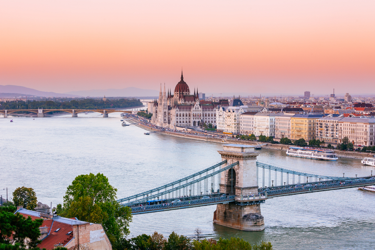 Budapest, parliament and Chain bridge. Travelling alone.
