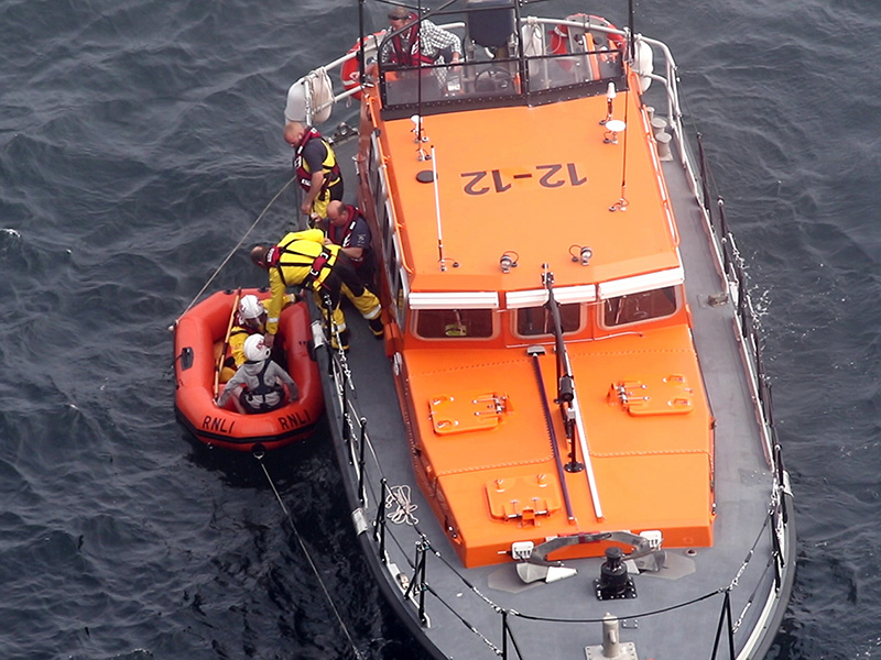 douglas rnli called out to assist in recovery of youths stranded on cliffs 800px wide