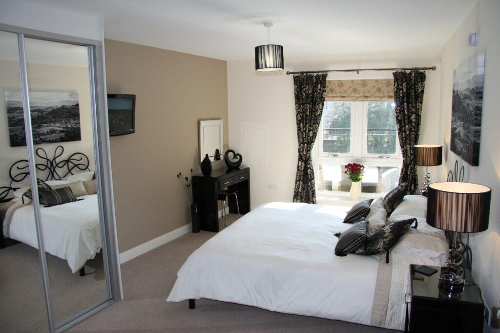 Master bedroom Kendal Cottages